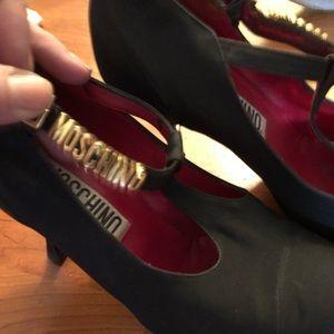 Moschino T strap Block Letter Heel